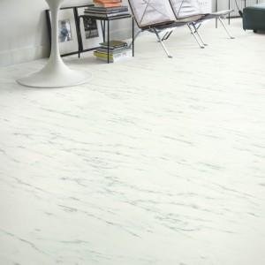 ПВХ плитка QUICK STEP «Мрамор каррарский белый AMGP40136» из коллекции Ambient Glue Plus