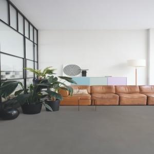 ПВХ плитка QUICK STEP «Шлифованный бетон серый RAMCL 40140» из коллекции Ambient Rigid Click